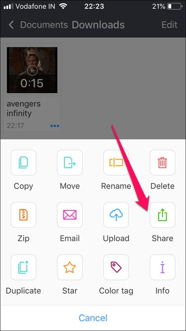 나오게 되는 옵션 중에서 Share 아이콘을 탭해주세요.
